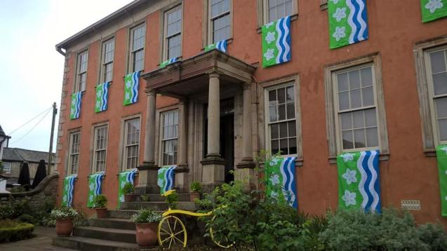an-array-of-cumberland-flags-decorate-wordsworth-house-and-gardens-for-the-tour-of-britain-1