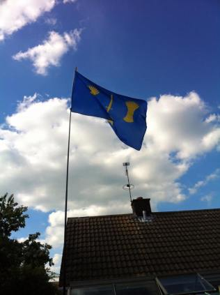 colin-humphreys-flies-the-cheshire-flag