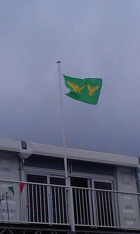the-caernarfonshire-flag-aloft-at-the-2012-urdd-eisteddfod