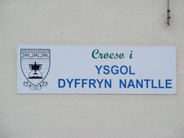 The three eagles on the badge of Ysgol Dyffryn Nantlle.