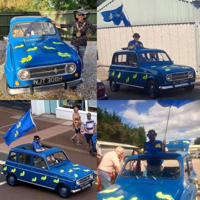 Today the Bexhill 100 Motoring Club's classic car cavalcade took part in the town. Amongst the vehicles was a 1969 Renault Quatrelle amazingly decorated in the colours of the county flag of Sussex!