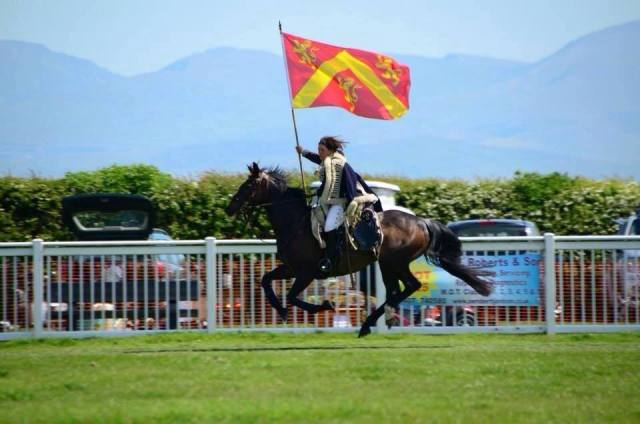 some-rather-dramatic-images-of-the-flag-of-anglesey-wielded-on-horseback-1