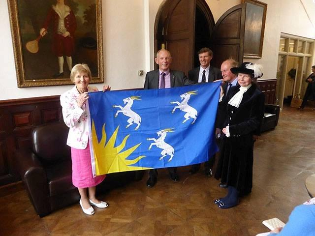 The Meirionnydd flag with local dignitaries (2)